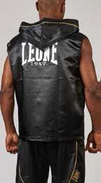 Boxerské šaty krátké s kapucí od Leone1947